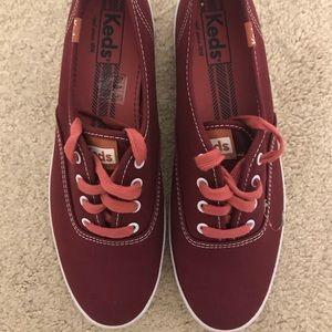 Maroon Women's Keds Sneakers - Size 8 🌟